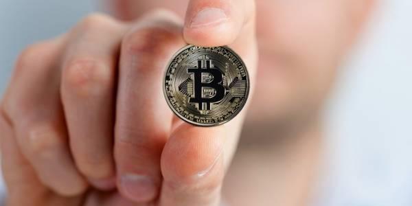 Handle bitcoin online
